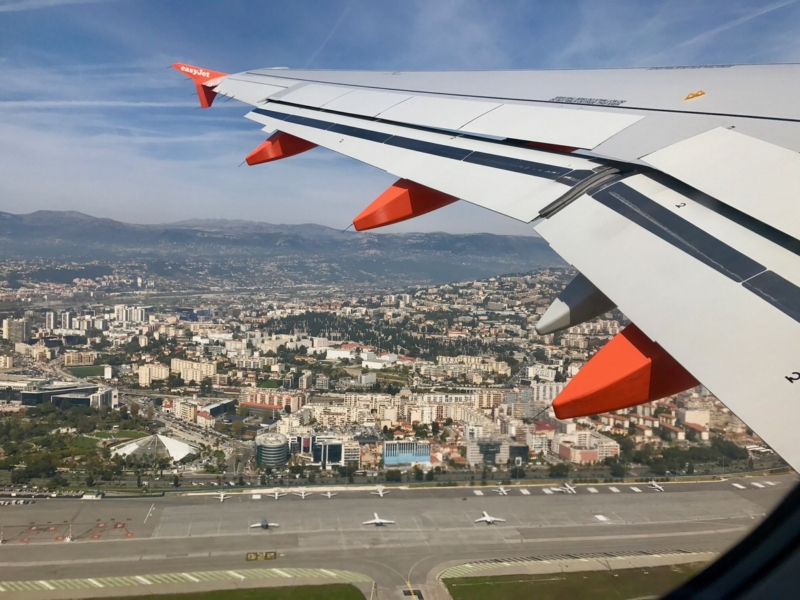 How to get from the airport to the center of Nice and other cities?