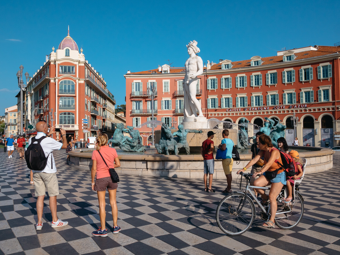 One day in Nice: this is the place to start your trip (Place Massena)