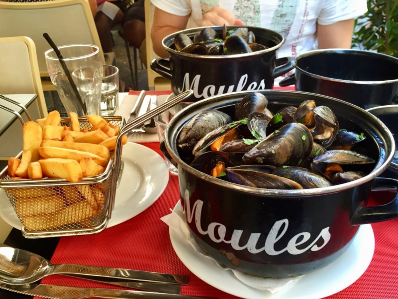 What and where to eat in Nice? Why not the mussels?