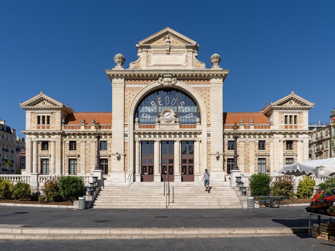 Gare du Sud - food hall in Nice